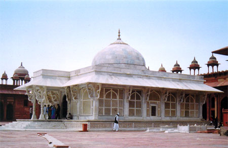 Dargah Tour with Golden Triangle