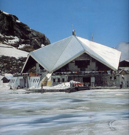 Hemkund Sahib Tour with Yoga